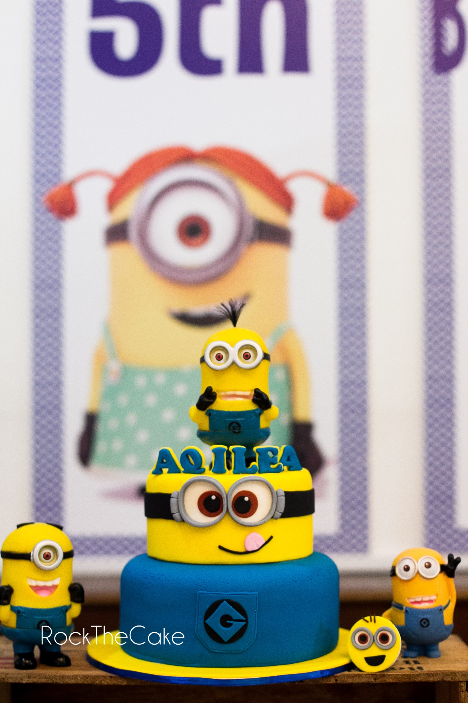 Theme : Minion Birthday Cake